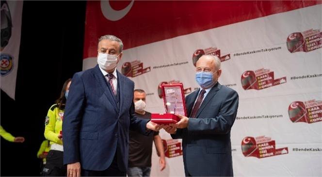 """""""Ben de Kaskımı Takıyorum"""" Kampanyasının 3. Etabında Başkan Seçer'e Plaket"""