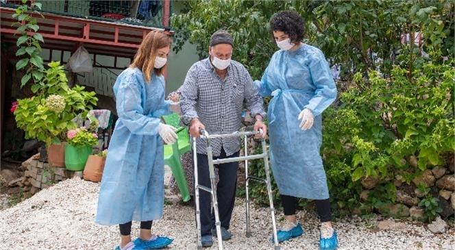Büyükşehir'in Evde Sağlık ve Bakım Hizmeti 707 Vatandaşın Hayatına Dokundu