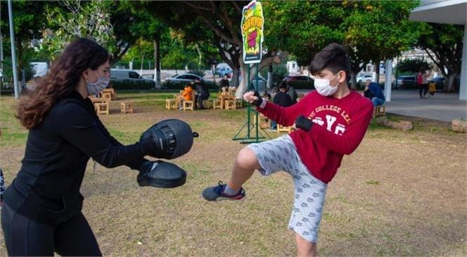 Çocuklara Mahremiyet ve Savunma Eğitimi Veren Büyükşehir Belediyesi İle 500 Çocuk Mahremiyeti ve Kişisel Savunmayı Öğrendi
