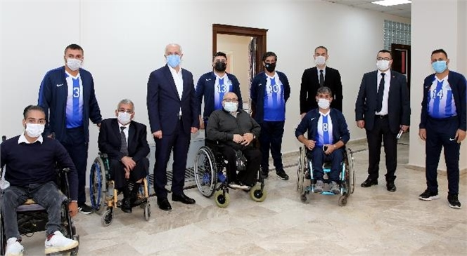 Akdeniz Belediyesi'nden; Engelli Vatandaşlara Akü, Gıda, Hijyen ve Kırtasiye Desteği