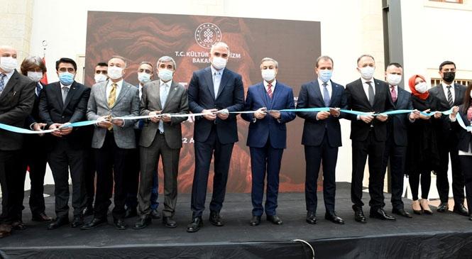 Tarsus Müzesinin Açılışı Bakan Ersoy Tarafından Gerçekleştirildi