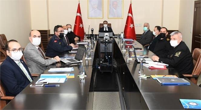 """Mersin """"İl Güvenlik ve Asayiş Koordinasyon Toplantısı"""" Vali Su Başkanlığında Gerçekleştirildi"""
