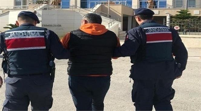 Hakkında 6 Ayrı Suçtan Arama Bulunan Şahıs Mersin'de Yakalandı! Şahsa Sokağa Çıkma Yasağını İhlal Ettiği İçinde Ceza Yazıldı