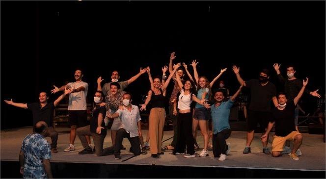 2. Uluslararası Yeni Tiyatro Dergisi Emek ve Başarı Ödülleri'nde Büyükşehir'e 3 Ödül Birden