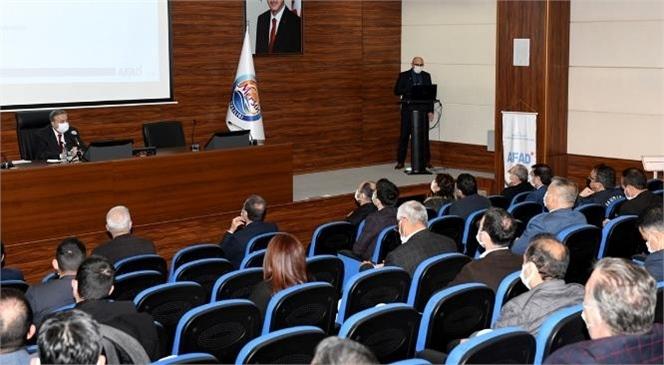 İl Afet Risk Azaltma Planı Bilgilendirme Toplantısı Vali Su Başkanlığında Yapıldı