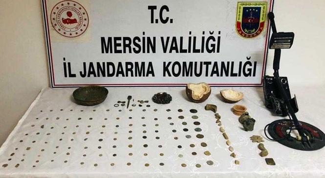 Mersin'de Tarihi Eser Eşyaları Satmak İçin Müşteri Arayan Şahıs, Çok Sayıda Tarihi Değeri Olan Eşya İle Yakalandı