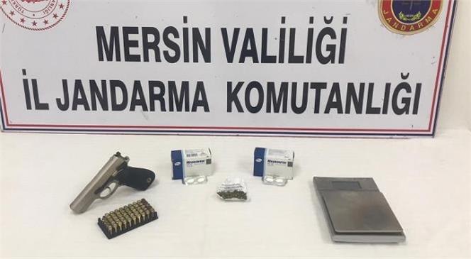Silifke'de Jandarmanın Yaptığı Operasyonda Uyuşturucu ve Silah Ele Geçirildi