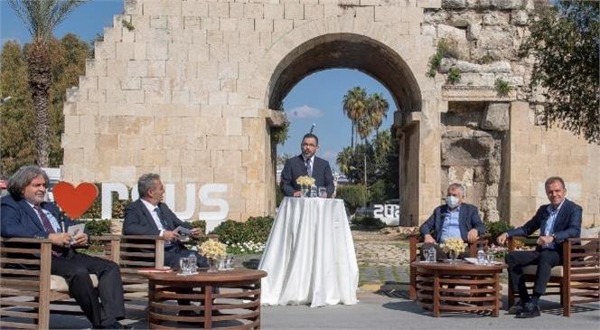 Mersin ve Adana Büyükşehir Belediye Başkanları Ortak Yayına Katıldı! Başkan Seçer ve Başkan Karalar, 4 Kanalın Ortak Yayınında Buluştu