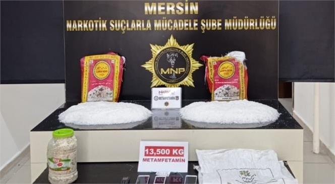 Mersin'e Kargo İle Yüklü Miktarda Uyuşturucu Getireceklerdi!