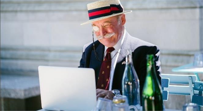 İnternet Kullanan Yaşlı Bireylerin Oranı 5 Kat Arttı