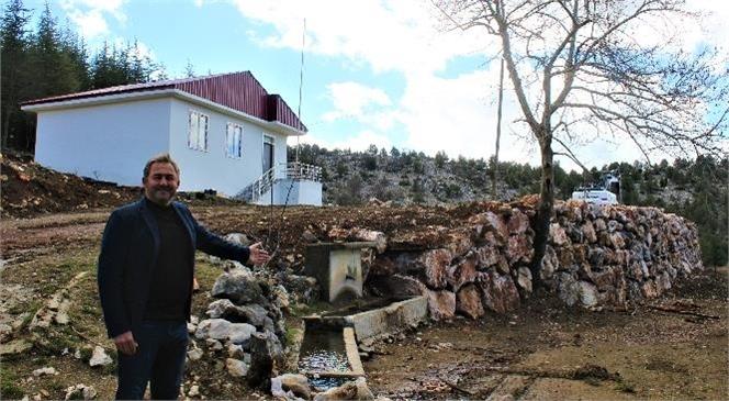 Büyükşehir Ekipleri, Atlılar Mahallesi'ndeki Eski Okulun Çevresine İstinat Duvarı Ördü