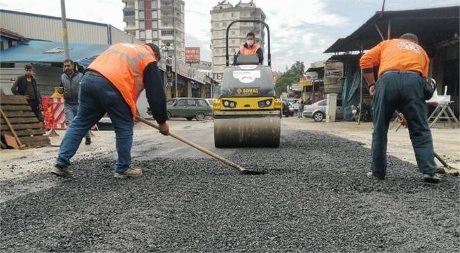 Büyükşehir, Yol Asfaltlama ve Onarım Çalışmalarını Aralıksız Şekilde Sürdürüyor