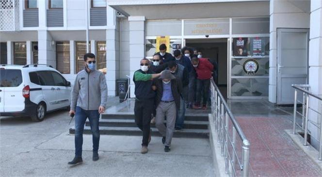 Mersin'de Sahte Evrak Çetesi Çökertildi