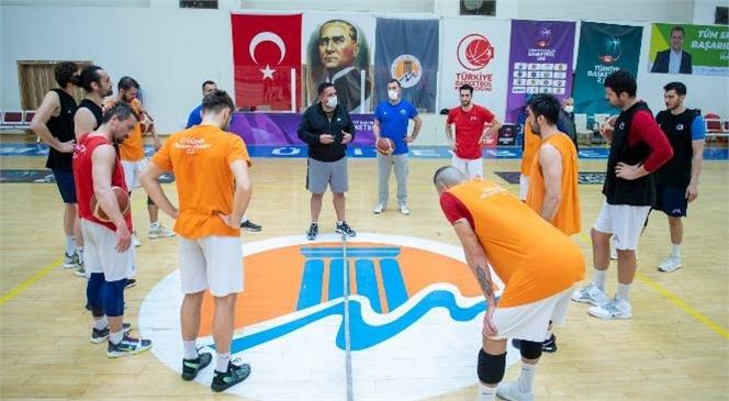 Mersin Büyükşehir Belediyesi Gsk Erkek Basketbol Takımı'na Baş Antrenör Hikmet Şahin Ateşdağlı Katıldı