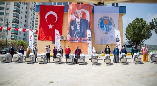 Mersin Büyükşehir Belediye Başkanı Vahap Seçer'in Kadın Emeğine Destek Projeleri Aralıksız Sürüyor