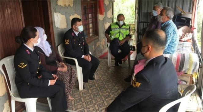 Trafik Haftasında Mersin İl Jandarma Komutanlığı Ekipleri Kazazede Aileleri Ziyaret Etti