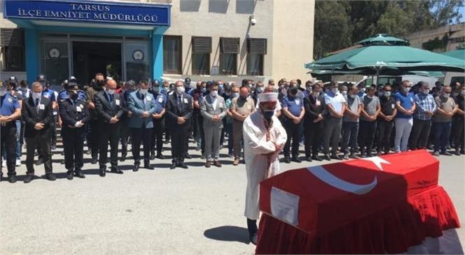 Tarsus'ta Geçirdiği Kalp Krizi Sonucu Hayatını Kaybeden Polis Memuru Hamza Sert İçin İlçe Emniyet Müdürlüğü Bahçesinde Tören Düzenlendi