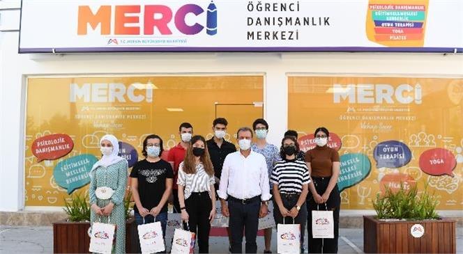 Mersin Büyükşehir Belediye Başkanı Vahap Seçer, Gençlerin Geleceğine Işık Tutan Merci'yi Ziyaret Etti