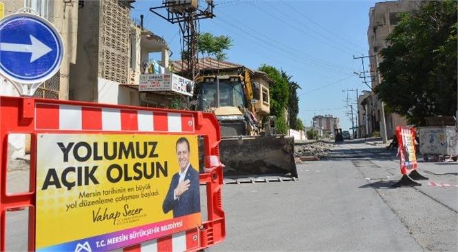 Tarsus Kent Merkezinde İşlek Kullanılan İstiklal Caddesi Yenileniyor