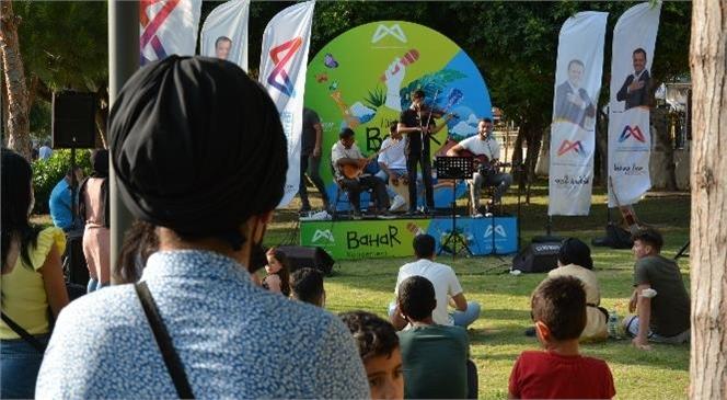 Mersin Büyükşehir Belediyesi Kültür ve Sosyal İşler Dairesi'nin Düzenlediği Sosyal Mesafeli Konserler Tüm Hızıyla Sürüyor