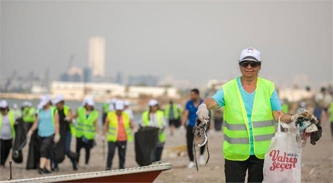 Büyükşehir Belediyesi'nin Çevre Haftası Kapsamında Düzenlediği Farkındalık Etkinliklerinin Yeni Durağı Karaduvar Sahili Oldu