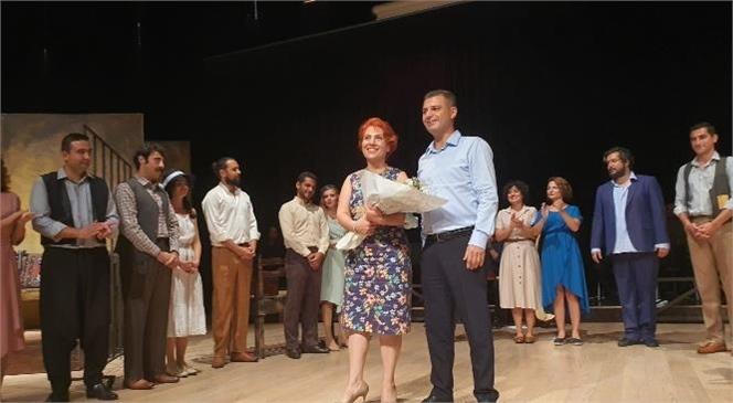Mersin Şehir Tiyatrosu Oyuncularının Performansı Büyük Beğeni Topladı
