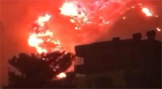 Aydıncık'ta Meydana Gelen Yangın Şiddetini Artırırken Alevler Devlet Hastanesi Civarına Yaklaştı