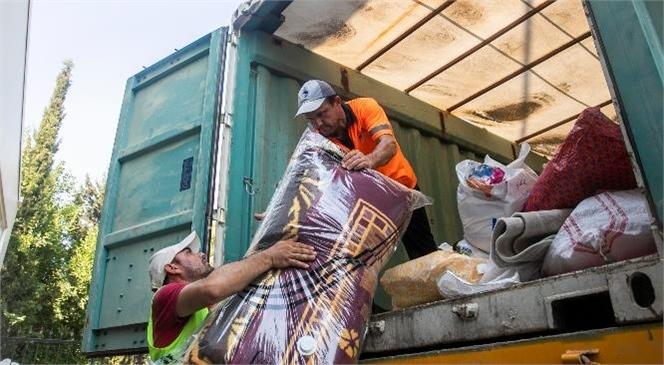 Mersin Büyükşehir'in Yangınzedeler İçin Yaptığı Dayanışma Çağrısı Üzerine Mersinliler Seferber Oldu