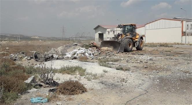 Mersin Büyükşehir Belediyesi, Tarsus'un Birçok Noktasında Gelişigüzel Şekilde Atılmış Hafriyatları Kaldırıyor