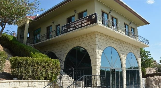 Mersin Büyükşehir'den Altaylılar Mahallesi Ötüken Vadi Parkı'na Okuma Salonu