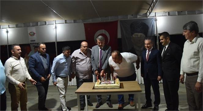 Anamur Belediye Başkanı Hidayet Kılınç, 19 Ekim Muhtarlar Gününde İlçede Görev Yapan 56 Mahalle Muhtarıyla Yemekte Bir Araya Geldi